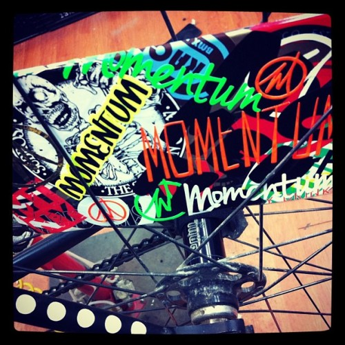 #wheelcard #fixedgear #bikes #momentum #ride #stickers #leaderbikes #paul #momentumcycle