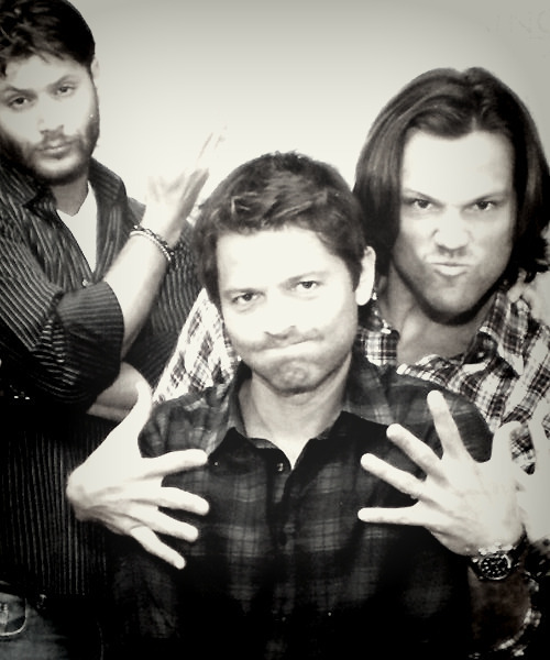 madamewesker:  Three good looking guys acting goofy…I'm a puddle, thanks