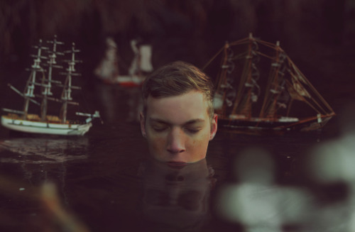 Kyle Thompson : Untitled, Ship Without Sails, and Sinking Captain