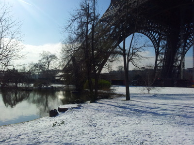paris-enphoto:  - La Tour Eiffel sous la neige - The Eiffel Tower under the snow