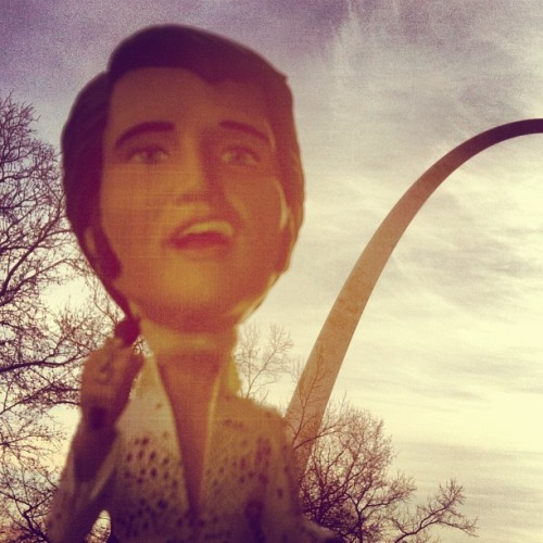 #AlohaElvis arrives in St Louis! See all Graceland's 2013 Media Tour's stops for the day: http://elvis.ly/iPFoY