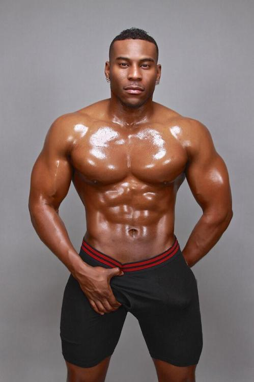 blackgayporn:We missed Seriously Sexy Sundays yesterday, so here's some black male stripper, big bulge, eye-candy to get you right for the week!