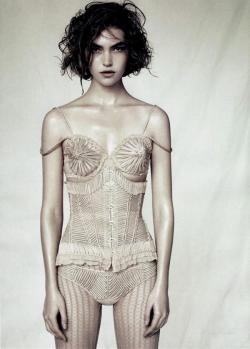 Inspiration #0002 Arizona Muse by Paolo Roversi for Vogue China April 2011, styled by Nicoltta Santoro