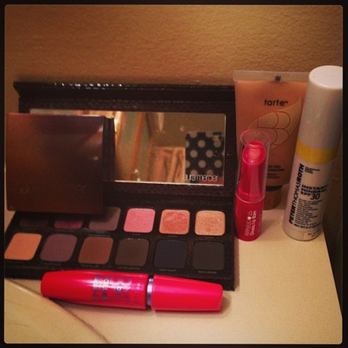 lawandtea:  Well at least with the weather I can say that this makeup works great in 80+ temperatures! #tarte #springvoxbox #lauramercier