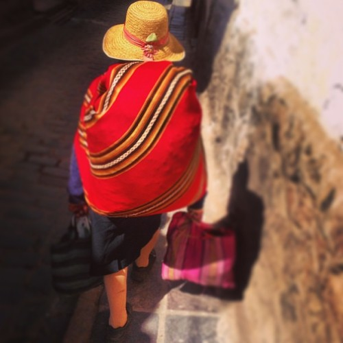 benj79:  Walking in the streets. #cuzco #rfpt