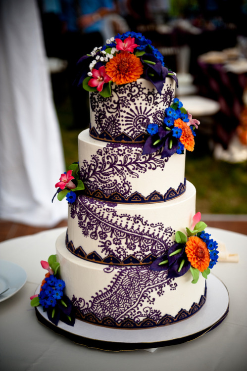 beautifulindianbrides:  Cake by:Confection Art Photo by:Casey Durgin