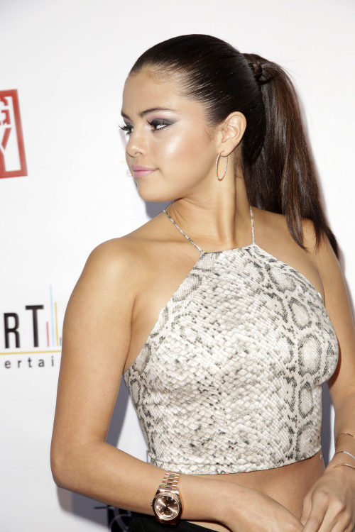 "July 29: (More) Selena attending the premiere of ""Behaving Badly"" in Los Angeles, California [HQs]"