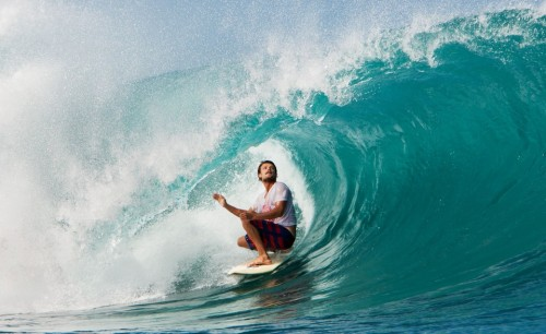 surfyouth:  dane-reynolds:  Perfect barrel of Dane! ♕  that's radical!