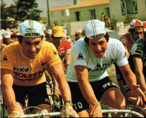 janchieta:  Eddy Merckx, à esquerda, com Francesco Moser no Tour de France de 1975.
