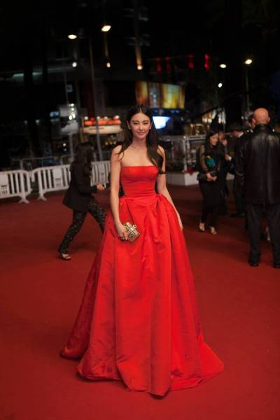 santinozafiro:  Zhang Yuqi wearing an Alexander McQueen Pre AW13 red duchesse satin gown during the 66th Annual Cannes Film Festival in France, 19th May 2013.