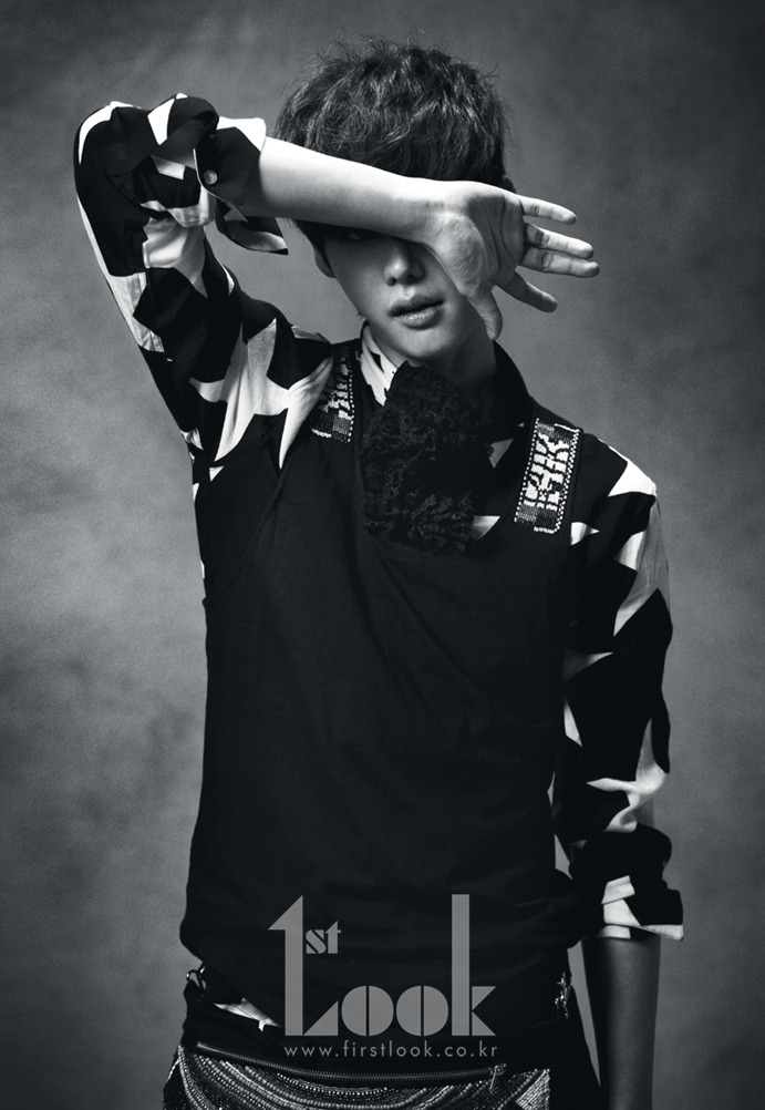 gilbakk:  Lee Jong Suk @ Magazine「1st Look vol.14 (February 2012)」