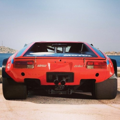 motormavens:  #FatTires on this #DeTomaso #Pantera! #contactpatch #widefootprint #racetire  (at Bowl)