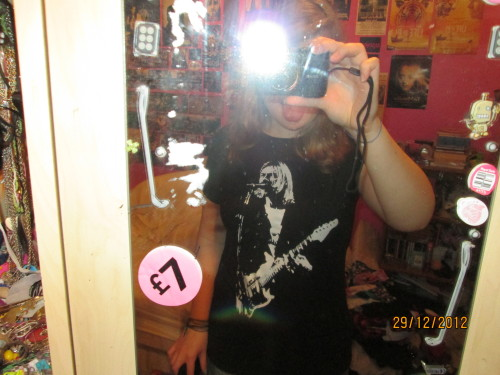 5th and final new top! Kurt Cobain playing guitar! Woo!!