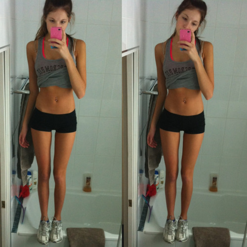 laura-getsfit:  freshly—fit:  And I'm standing on the bathtub again