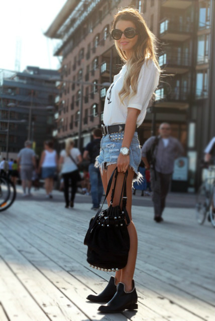 confession-of-fashion:  must-have-outfits:  Simple and gorgeous  This outfit <3