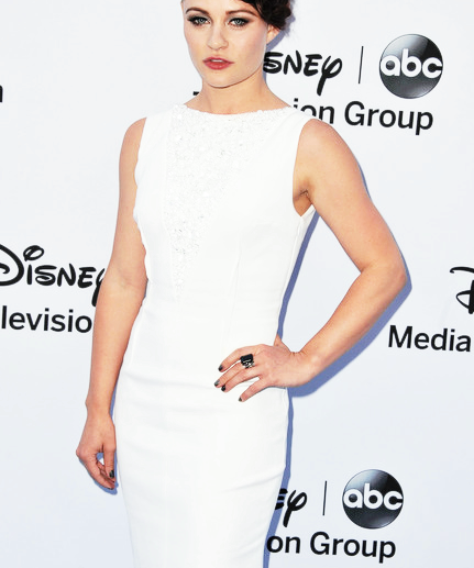 Emilie attending the Disney International Upfronts (May 19th). Ginnifer, Josh and Meghan were also in attendance.