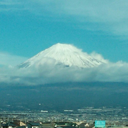 fred-wilson:  Mount Fuji from the Kyoto to Tokyo bullet train