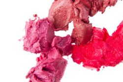 Which 20 Lipsticks Contain the Most Lead?  In a small study out last week, researchers asked a group of teenage girls to hand over their lipsticks and glosses and tested them for toxic metals, including lead and cadmium. Article on Mother Jones  #