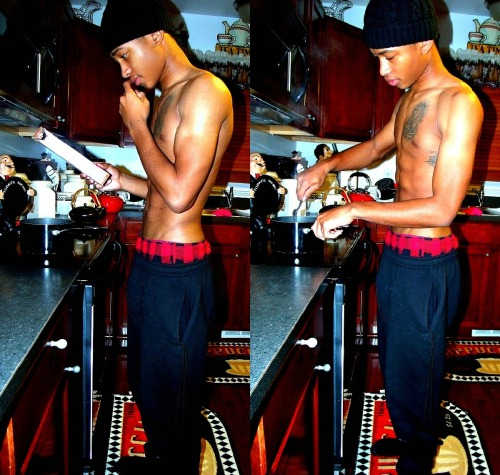 cutestboysontheplanet:  I'll cook for you :)  - http://rockybreaux.tumblr.com/