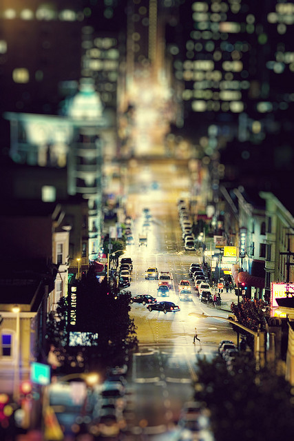 musikonlifeoff:  Small City. Big Nightlife. by SHUN [iamtekn] on Flickr.