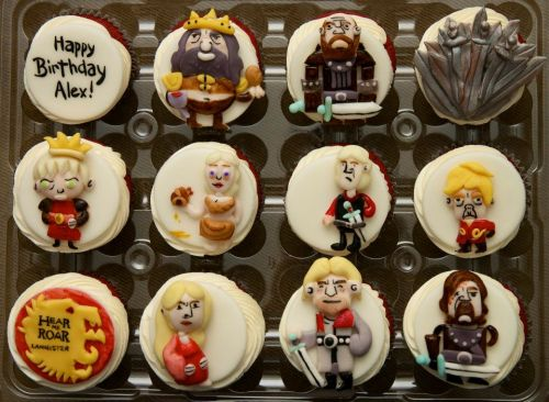snackfixation:  Excellent Game of Thrones cupcakes by Baked In Vancouver. Click here to see the rest… yes, that's right… she did the Stark family too.