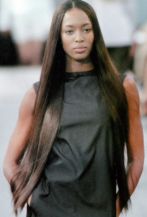 trapsical:  spring1999:  naomi campbell at louis vuitton s/s 1999 moda in nº109 spring/summer 1999