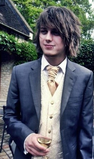 bandmembersinsuits:  Ben Bruce- Asking Alexandria