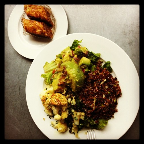 Coliflor, Quinoa, Aguacate + Baclava🍴🍴🍴🍴🍴🍴 (at Market Table)