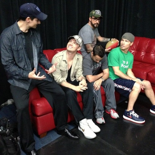 【from: BSB instagram】 20130510-Hanging at rehearsals today.