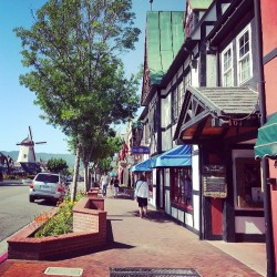 The Danish Captital in USA - Solvang, California. Totally loving all the cottage architecture and windmills.
