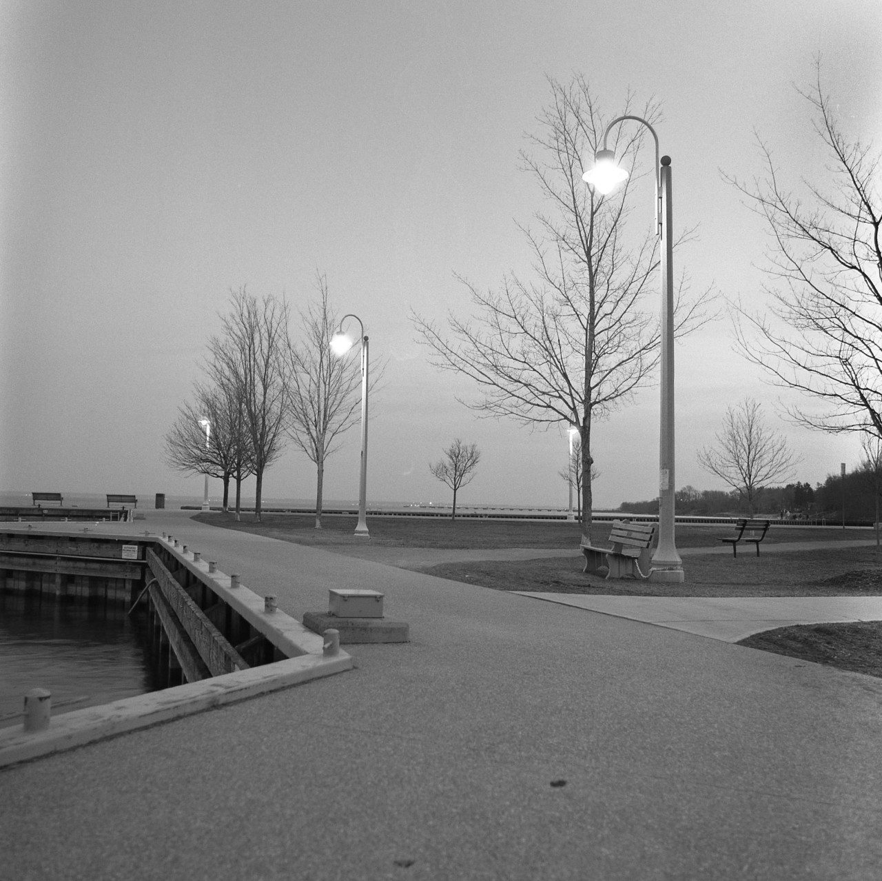 Bronte Marina at Dusk. Ultrafine Xtreme 400 in D76 stock for 5.5 min at 20C.