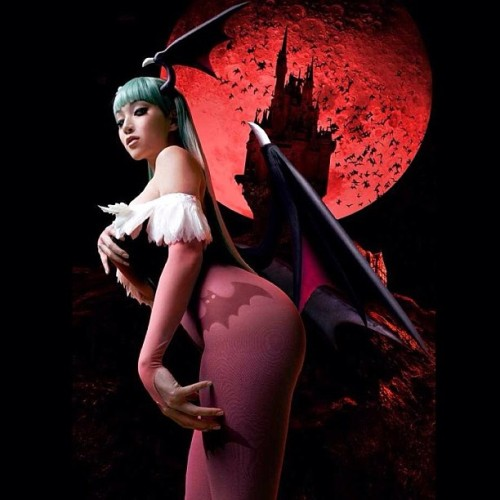 vampybitme:  My #Morrigan #cosplay is getting redone better than before, one last glimpse at this one, She's the Queen of the Night to me for sure ❤   Omfg hotness