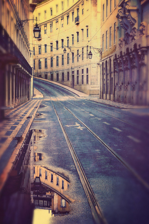plasmatics-life:  Enigmatic City | by Ianton