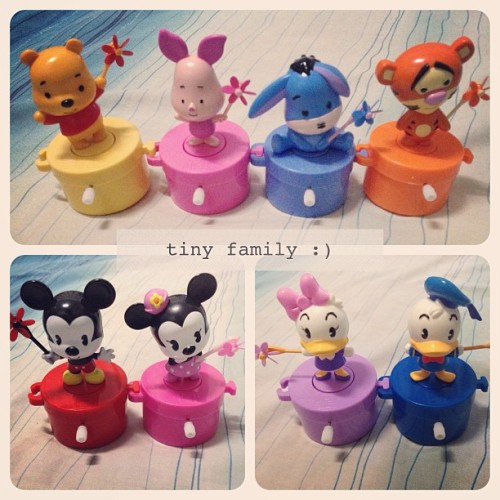 they come for all, yay! #disney #musicbox #toy #seveneleven #pooh #piglet #eeyore #tigger #mickeymouse #minniemouse #donaldduck #daisyduck