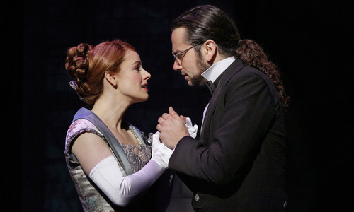 Teal Wicks as Emma Carew and Constantine Maroulis as Henry Jekyll in JEKYLL & HYDE. © CHRIS BENNION PHOTO.