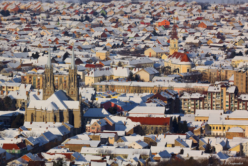 Roofs under the snow by Boris Stefanovic on Flickr.
