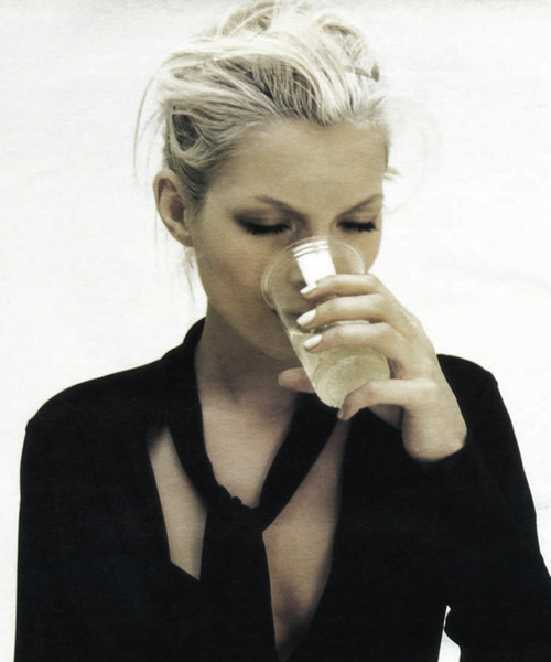 ejakulation:  'So Nonchalant', Kate Moss by Satoshi Saikusa for W, April 1996