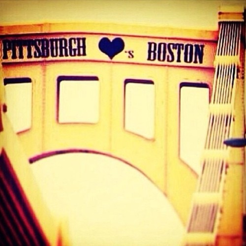 ffarfallina:  #pittsburgh #loves #boston
