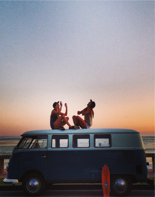 manhatn:  SUMMER ROAD TRIP PLAYLIST | When all you need is some wind in your hair and some tunes from your stereo  | [ listen here ] 1. the black keys - lonely boy /// 2. marina and the diamonds - how to be a heartbreaker /// 3. icona pop (feat. charli xcx - i love it /// 4. the 1975 - chocolate /// 5. selena gomez - come and get it /// 6.two door cinema club - something good can work /// 7. vampire weekend - a punk /// 8. young the giant - my body /// 9. loveable rogues - what a night /// 10. neon trees -everybody talks /// 11. dexys midnight runners - come on eileen /// 12. 5 seconds of summer - heartbreak girl /// 13. best coast - boyfriend