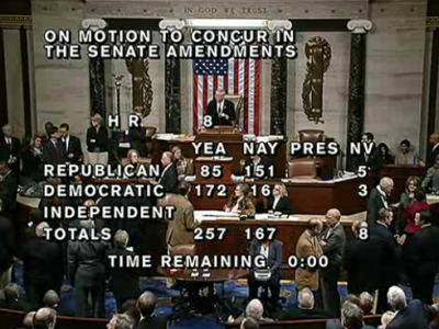 DEAL! The House passes bill to avoid the fiscal cliff.Final vote: 257-167.Details: http://on.msnbc.com/UkIz9P