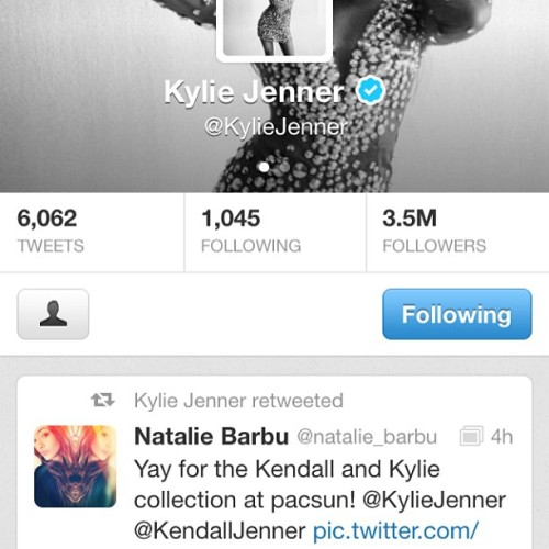 LOOK WHO RETWEETED ME OMGOMGOMGOMGOMG @kyliejenner