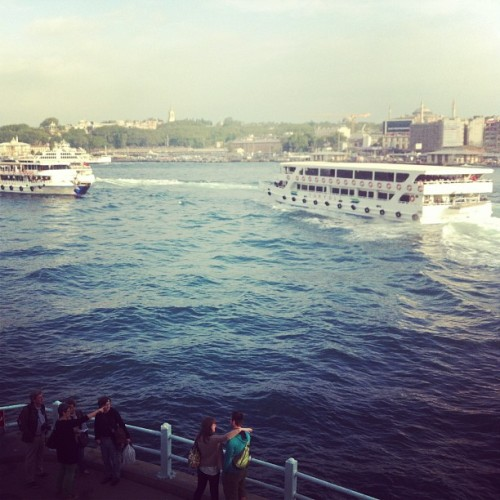 Looking at ferrys at Galata bridge. #istanbul #turkey #iphonesia #instagramer