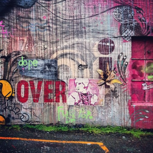 Sick wall in Belltown. #belltown #seattle #streetart #streetartseattle #graffiti #wheatpaste #over #texture #paint