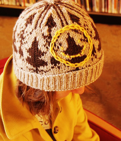 areyoutryingtodeduceme:    221b Hat by Sammi Brooker on Knitty   I have no words for how beautiful this is. Next knitting project, for sure.