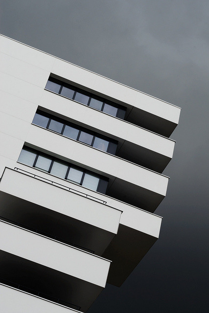 Stack, appartementen en kantoren, Loevesteijnlaan, Breda on Flickr.Architect: Marius van den Wildenberg