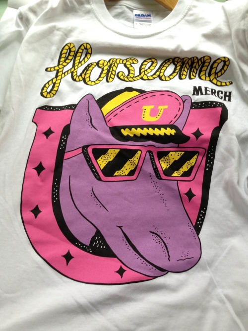 "KP X AWESOME MERCHANDISE. £10  Limited Edition ""HORSEOME MERCH"" BRIGHT 4 colour screen printed tees I got a bunch of them fo sale! 2 x XL 4 x L 2 x M 6 x S Printed on really nice white GILDAN tee shirts RING SPUN 100% cotton The sizes are dude's. Grab on here!"