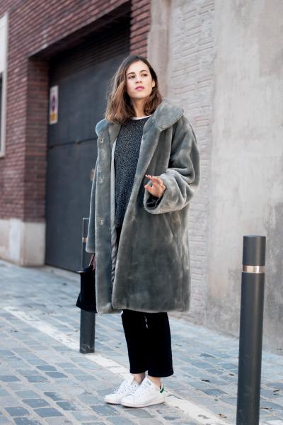 #dansvogue, #saray_martin, #barcelona, #adidas_sneakers, #zara_jeans, #zara_sweater, #longchamp_bag, #fur_coat, #street_style, #street_fashion, #fashion, #barcelona_street