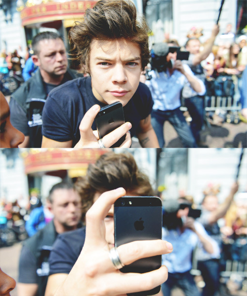 Harry Styles, make me a photo! | via Tumblr on @weheartit.com - http://whrt.it/16D7bDd