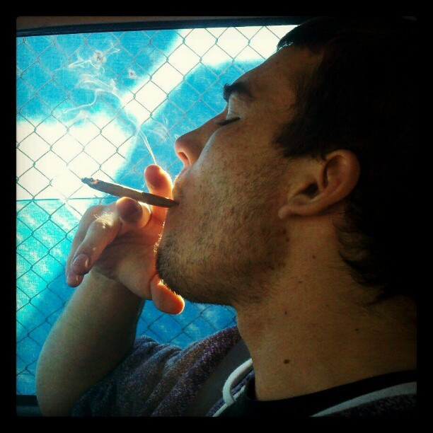 Sick smoke trails :) #smoking #toking #chiefin #love #thug #420 #blunt #g #smoke #smoketrail #steeze #sivk