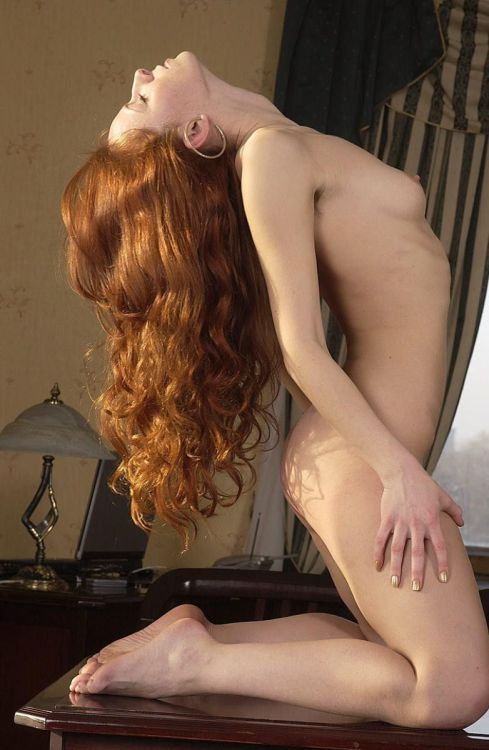 heavenlyredheads:  templeofginger:  This model's body, her hair, her shape, everything about her, reminds me so much of T, the memories of T are actually hurting me inside. My ex-girlfriend was six feet tall, and she had an amazing body that looked almost exactly like this; she was lean and muscular with soft skin, and her hair was this exact color. On a physical level, without going into all the reasons why her personality was so simpático with my own, and with just one exception (a woman whom I will also not name here), T's body is the one I miss the most snuggled up against mine. Except I know that T would never wear those ridiculous hoop earrings…
